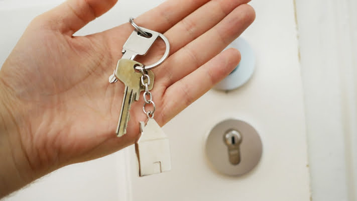 4 Reasons to Keep a Locksmith on Speed Dial